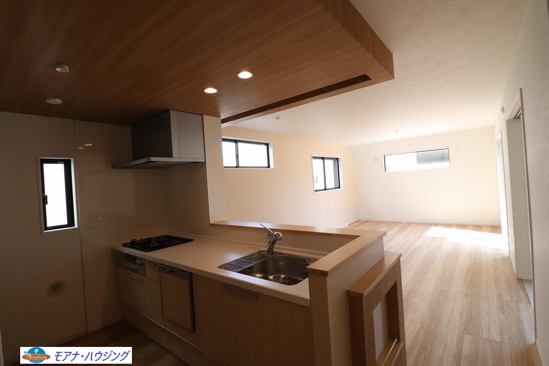 カフェのような空間が続くお洒落な全3棟の新築デザイナーズハウス「TERRACE四...